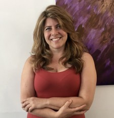 feminist icon Naomi Wolf came by the salon for beautiful blonde highlights and a long wavy layered cut
